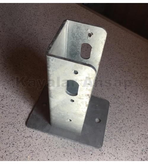 Çit Demir galvaniz Ayak (9,5 x 9,5 cm) AG-104